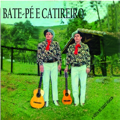 Bate_Pe_e_Catireiro_A_Volta_do_Disco_Voador